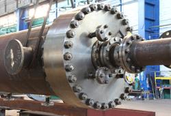 High pressure flange connectors