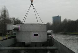 Verladen Kontaktkessel Rhein-Herne-Kanal