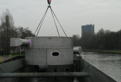 Loading of contact vessel Rhine-Herne Canal
